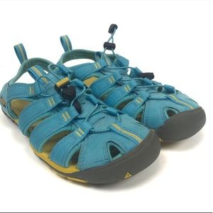 Keen Clearwater CNX trail waterproof sandals 6.5